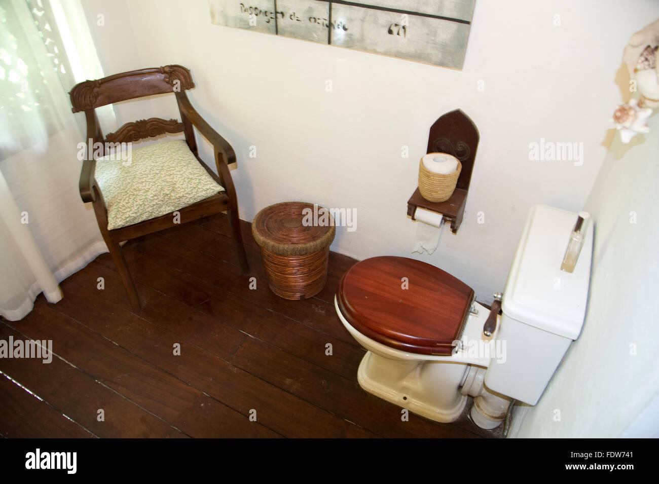 Toilet Chair Stock Photos & Toilet Chair Stock Images - Alamy