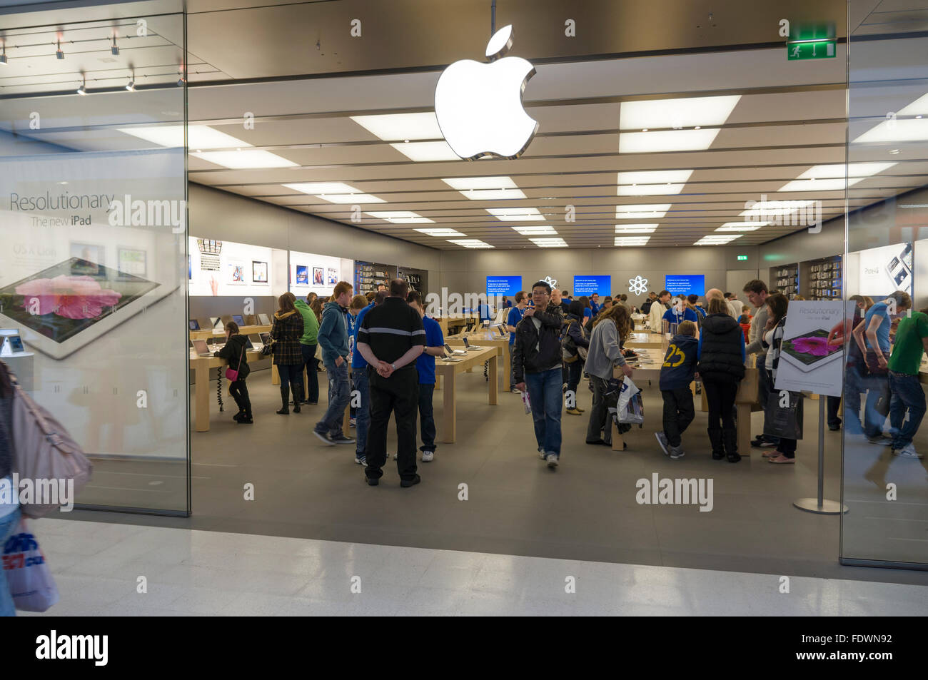 Apple shop window and entrance in Braehead Shopping Centre, Clydebank, Scotland, UK  Model Release: No.  Property - Stock Image
