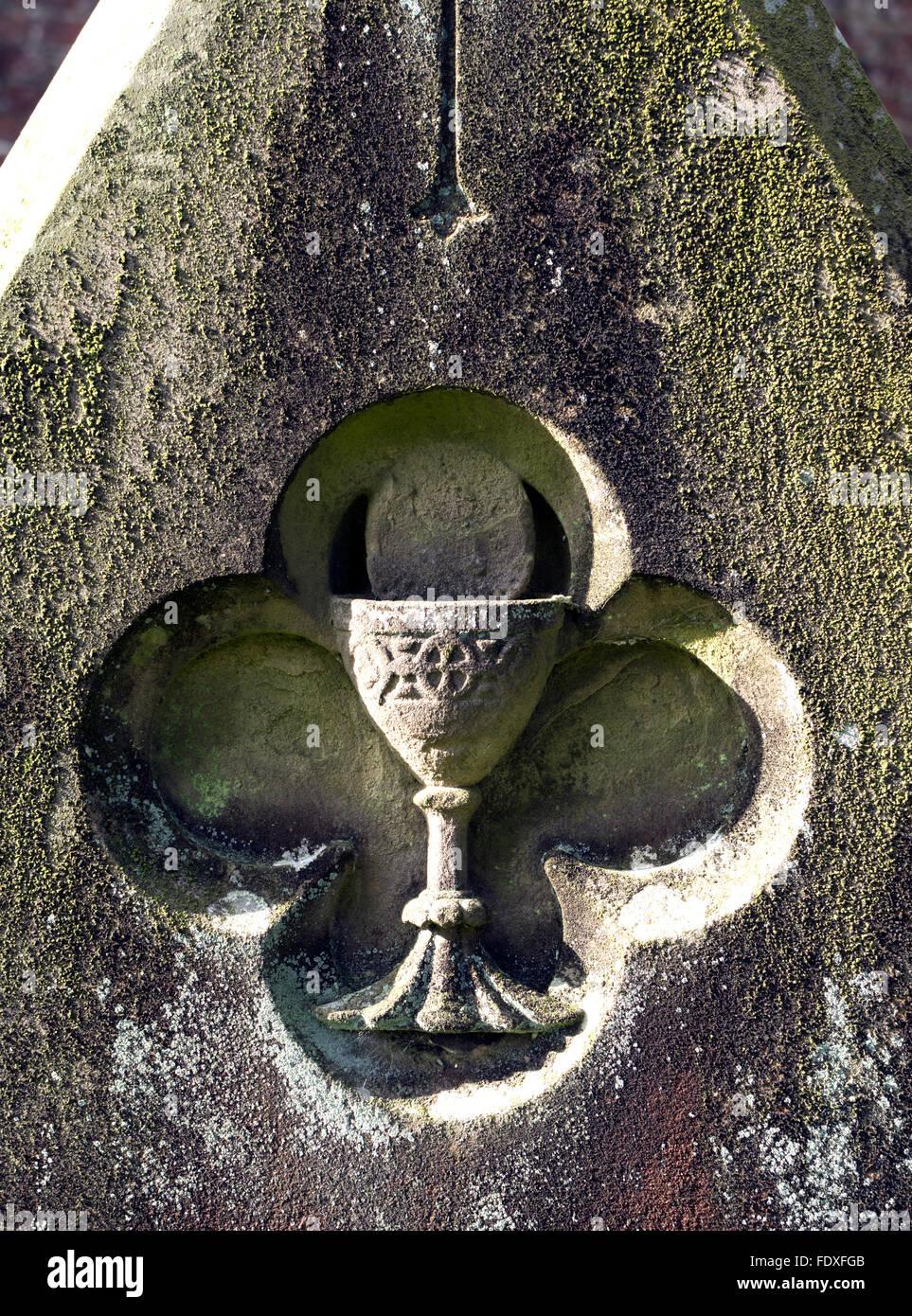 Chalice detail on gravestone - Stock Image
