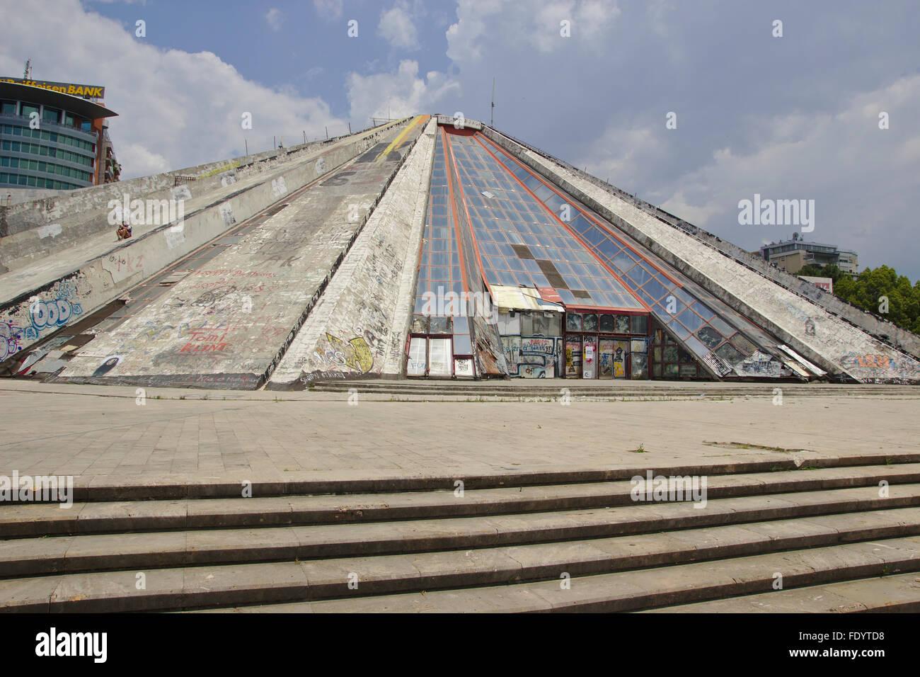 'Pyramid', former Enver Hoxha Museum, Tirana, Albanien - Stock Image