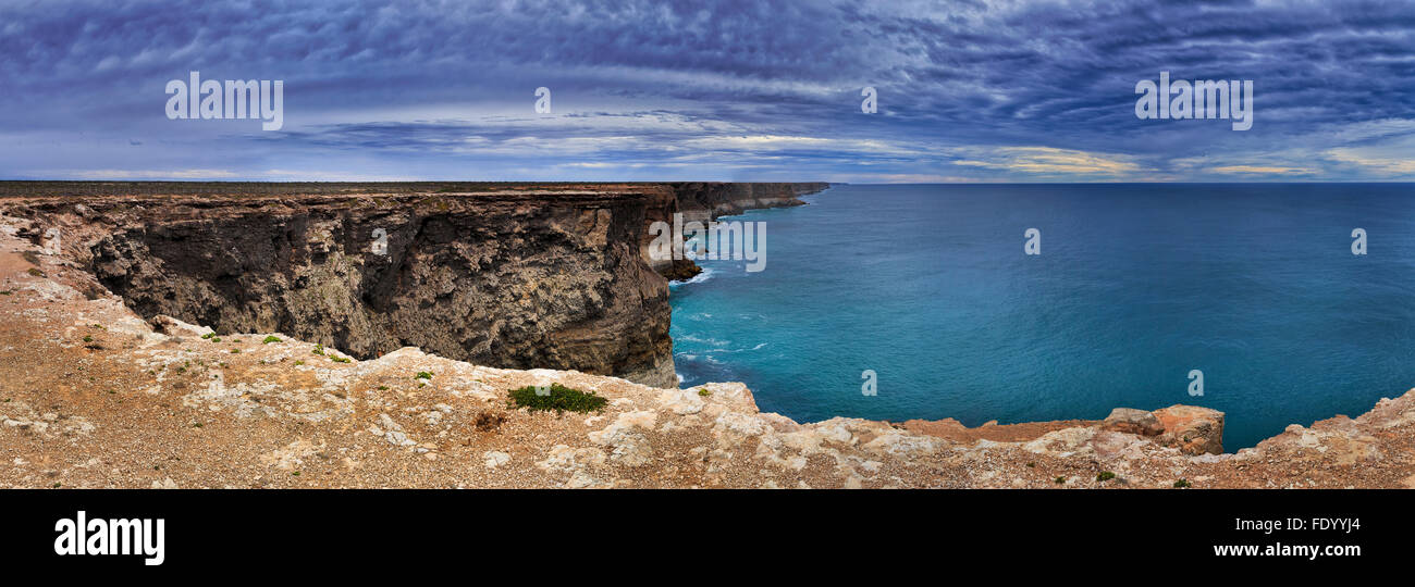 spectacular view from elevated lookout at South Australia nullarbor plain towards rugged coastline of australian - Stock Image