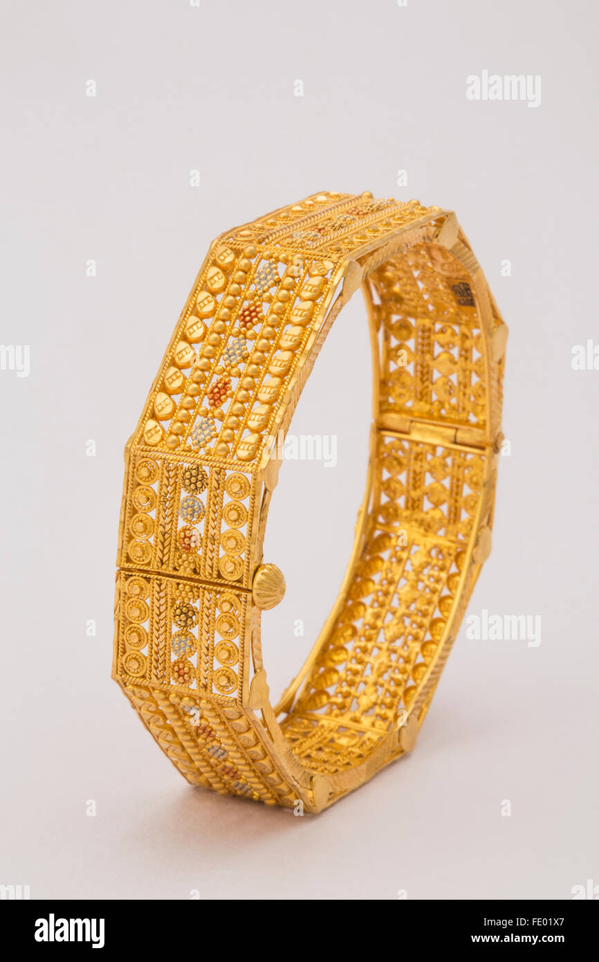 gold jewelry gold bangle Indian jewelry design Indian