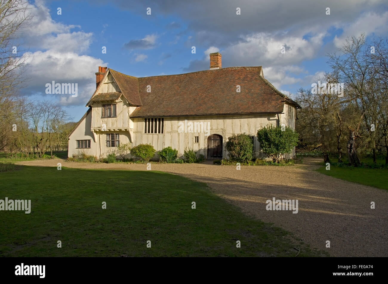 Medieval Hall House used as a farmhouse until early 1900s. Substantially restored in 1959. The oak timbers have - Stock Image