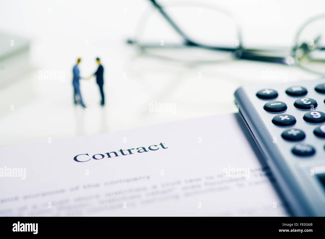 Symbol photo conclusion of a contract - Stock Image
