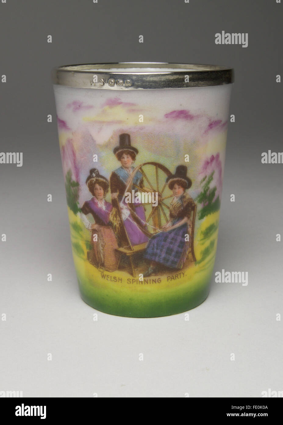 German Gemma porcelain small beaker or match holder, decorated to the side with three Welsh spinners and with a - Stock Image