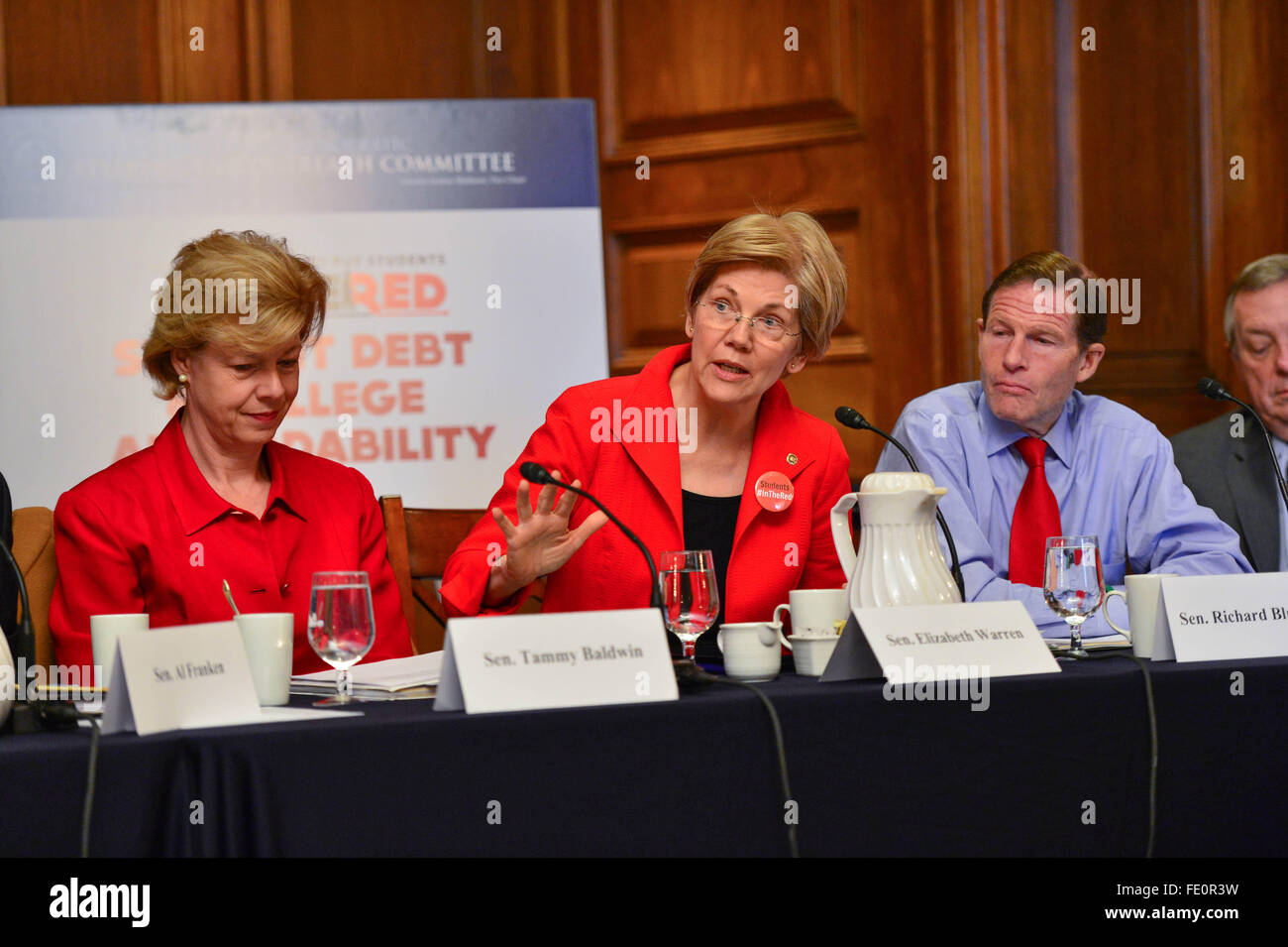 US Senator Elizabeth Warren, center, during a discussion on student debt and college affordability alongside Senator - Stock Image