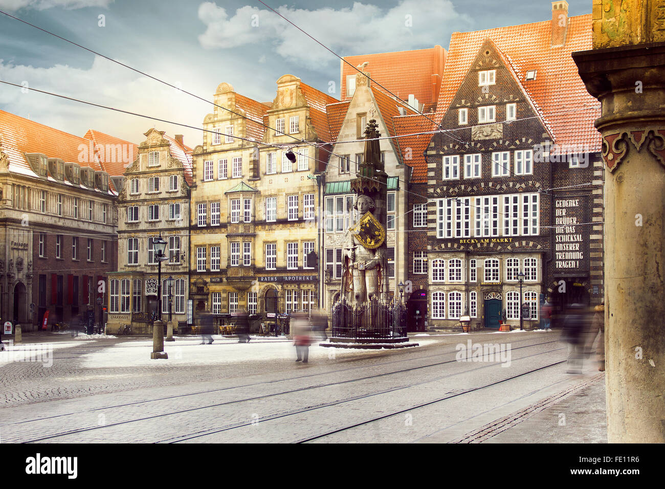 Marketplace of Bremen with Statue of Bremer Roland or Roland von Bremen surrounded by the Old city and medieval - Stock Image