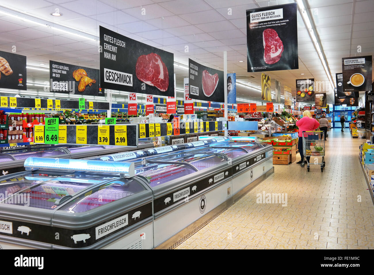 Inside a Lidl discount supermarket - Stock Image