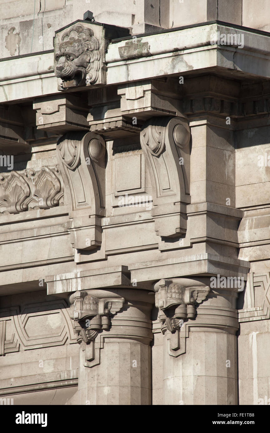 Detail of the main facade of the Central train station (Stazione di Milano Centrale) in Milan, Lombardy, Italy. - Stock Image
