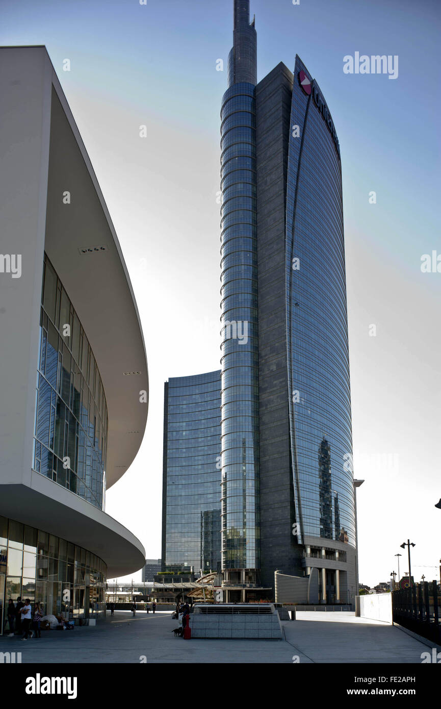 In the photo Gae Aulenti Square and the Pelli Tower, site of Unicredit Bank - Milan , Italy, May 09 2014    Credit - Stock Image