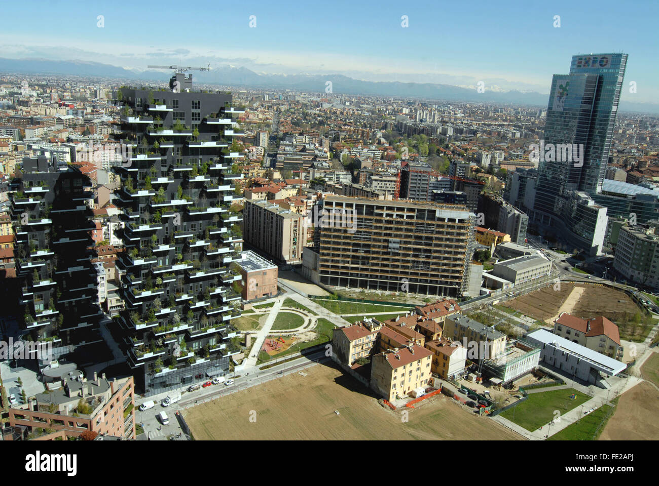 The new skyline of Milan, view from the Tower Unicredit, right The Vertical Forest project architect Boeri, left - Stock Image