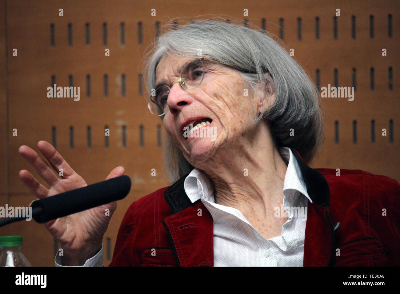 Barcelona, Spain. 4th February, 2016. American best seller crime novels writer Donna Leon at the press conference - Stock Image