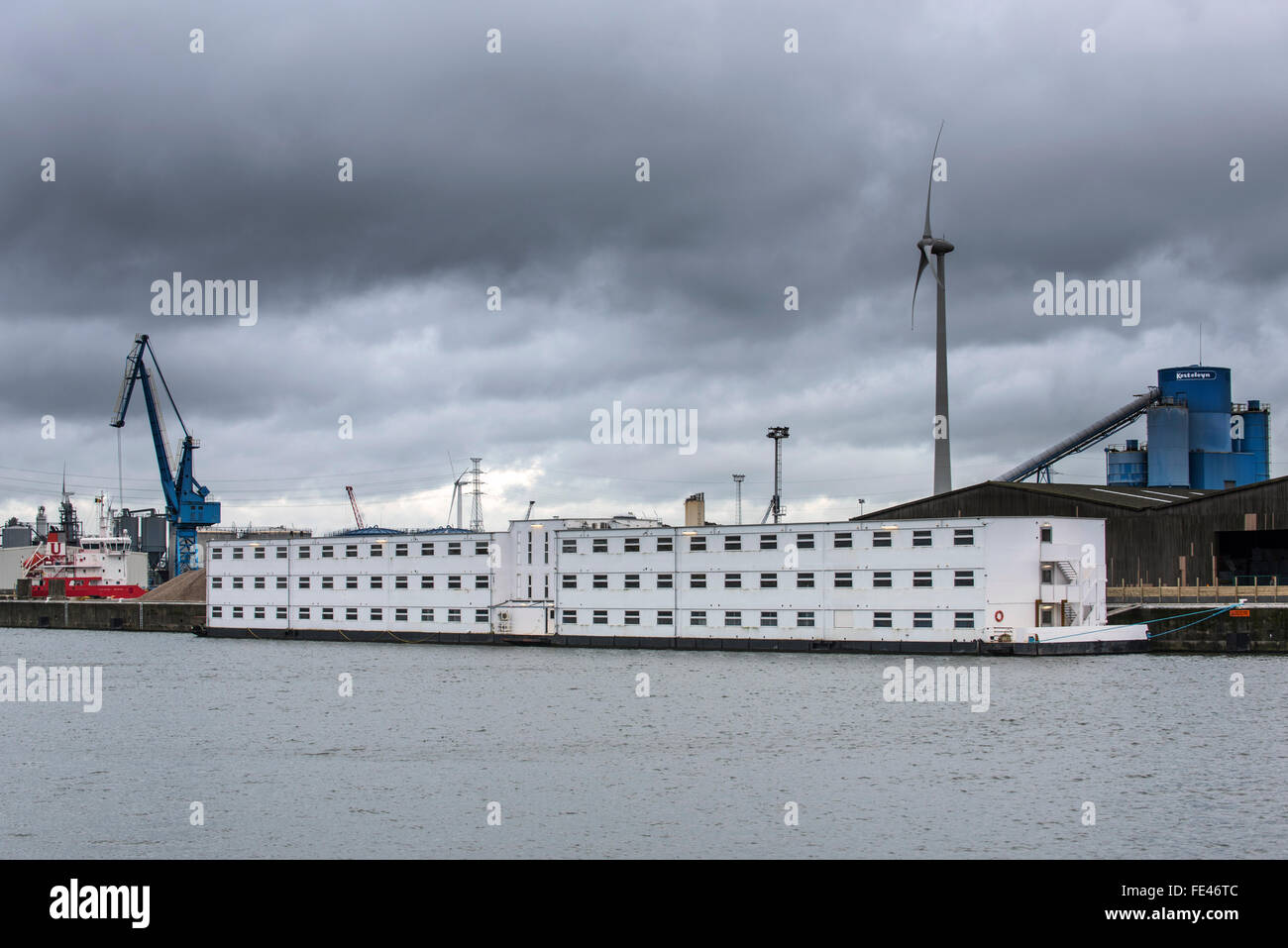 Ghent, Belgium, 04th February, 2016. Arrival of pontoon De Reno in the Ghent port. Former floating prison from the - Stock Image