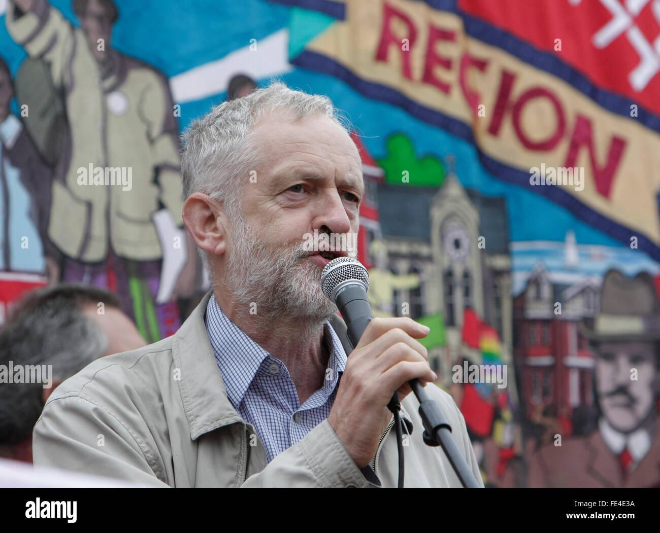 Jeremy Corbyn speaks at the anti austerity rally in trafalgar square, London, UK, 10/7/2014. - Stock Image