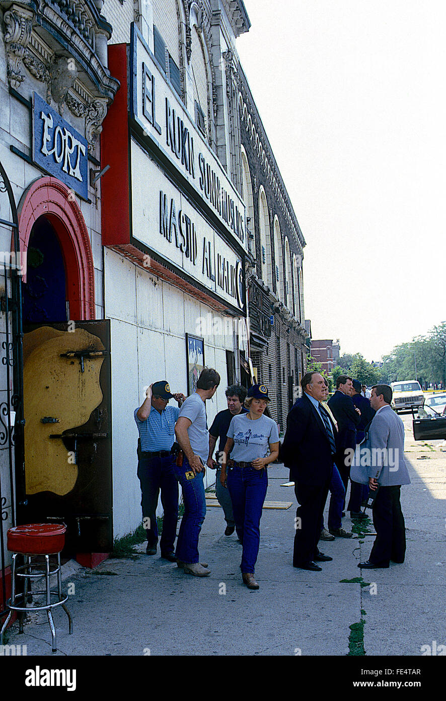 Chicago, Illinois, USA, 5th August, 1986 Federal agents along with Chicago Police raid the headquarters Temple building - Stock Image