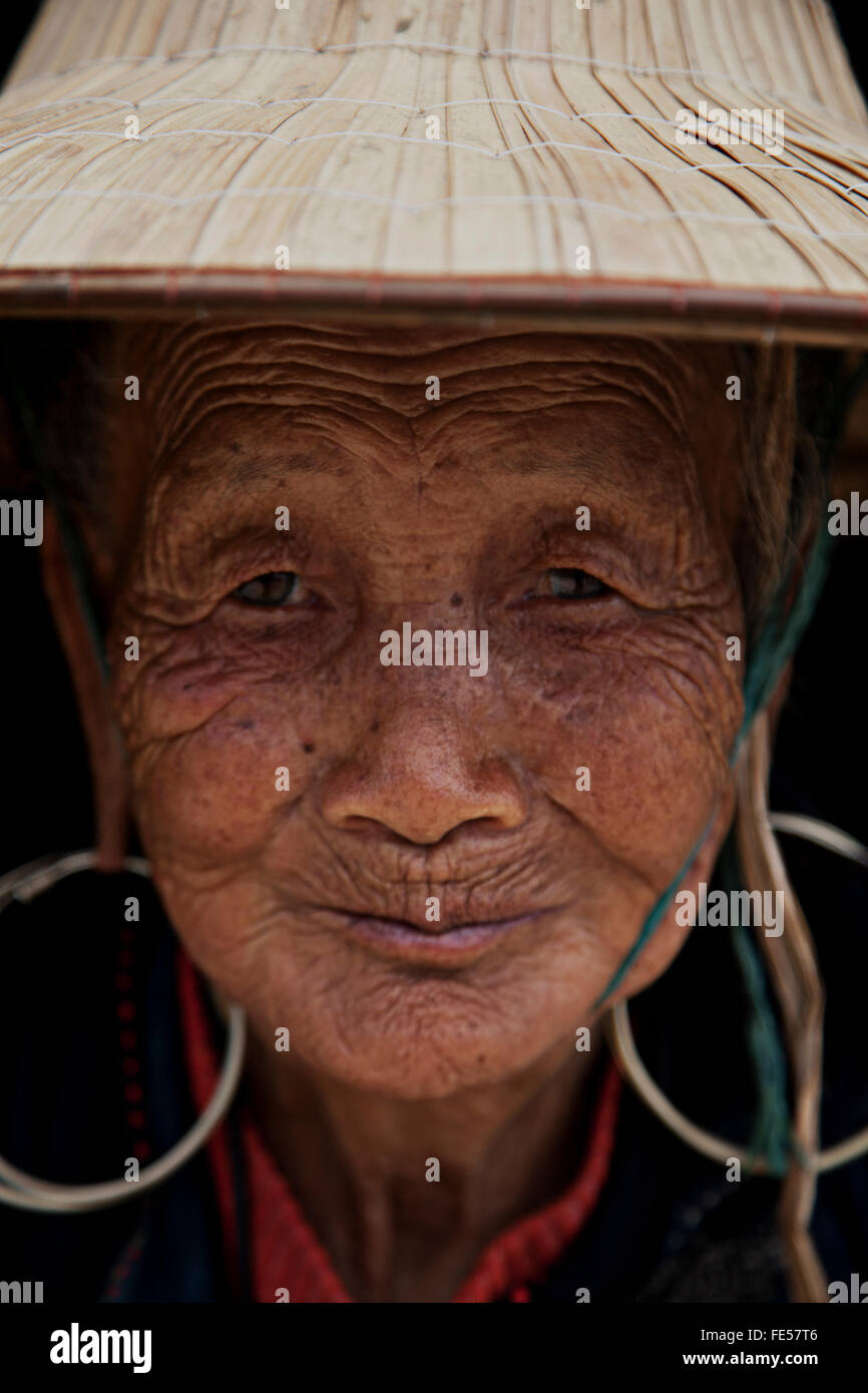 old Hmong women in north vietnam - Stock Image