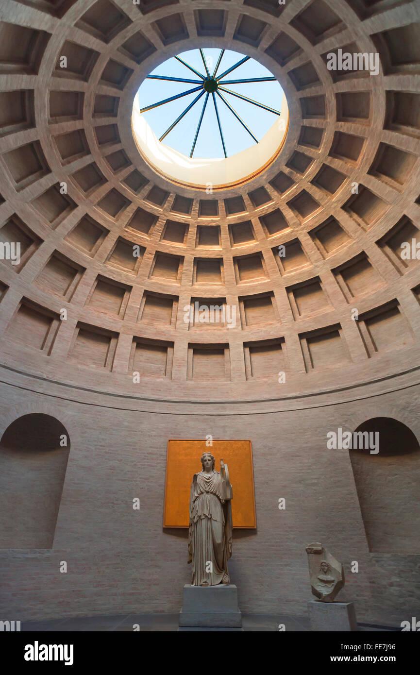 Hall of Apollo, sculpture of Apollo with lyre, dome, Glyptothek, Königsplatz, Munich, Upper Bavaria, Germany - Stock Image