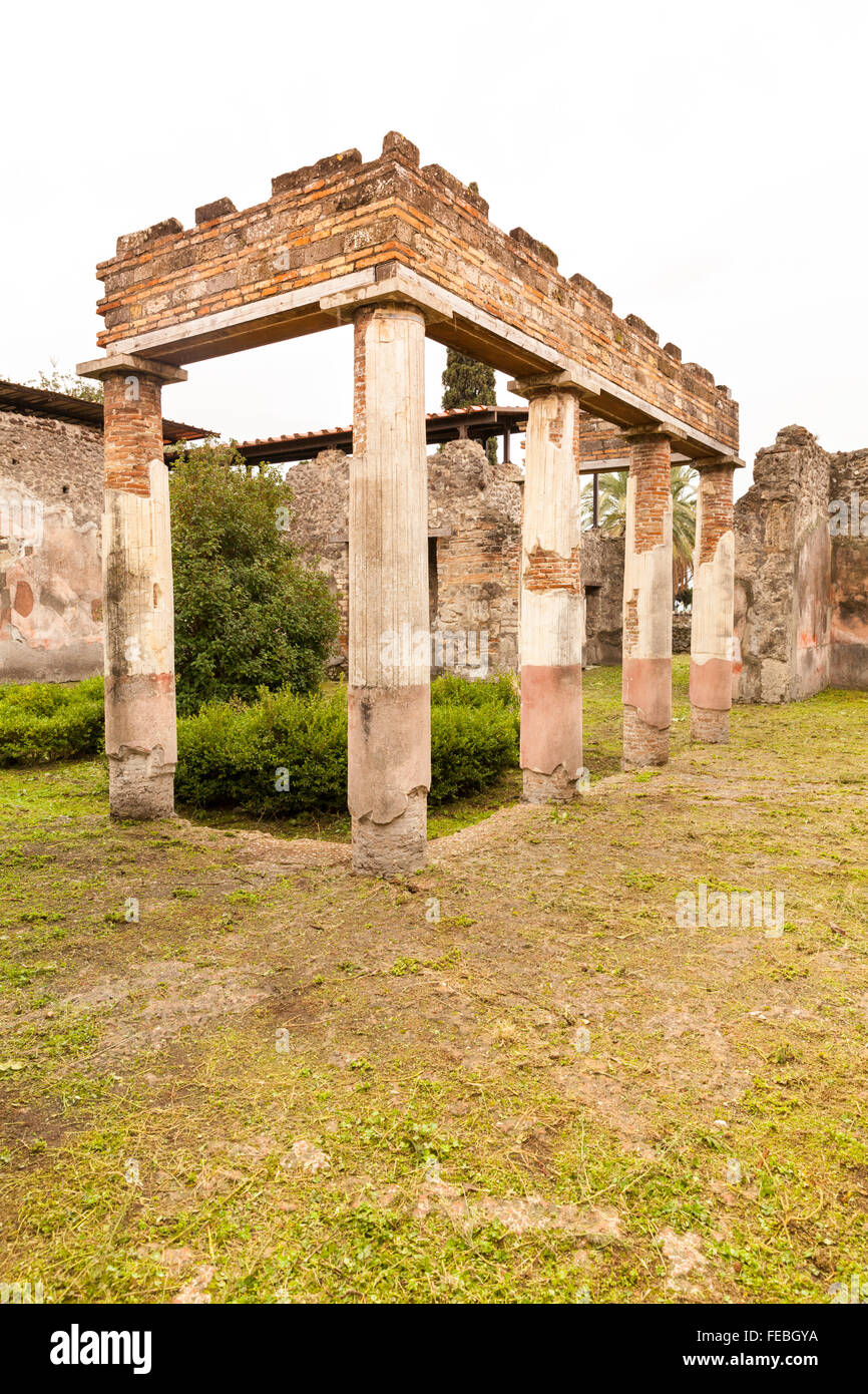 Peristyle of the Villa of Diomedes (Villa di Diomede), near the Herculaneum Gate at the ancient city site of Pompeii, Stock Photo