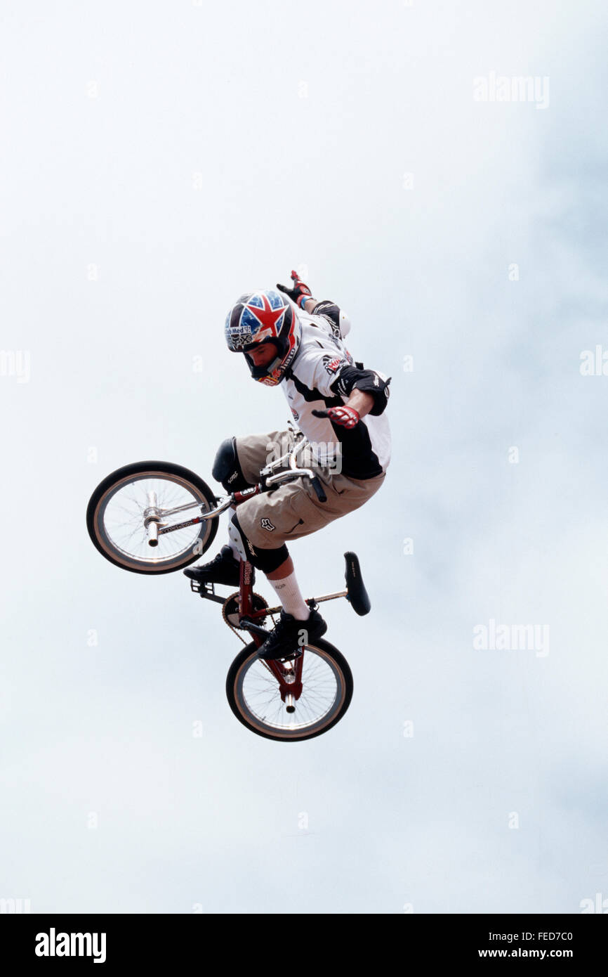Dave Mirra flying over the vert on his BMX bike at the 1999 B3 Stock