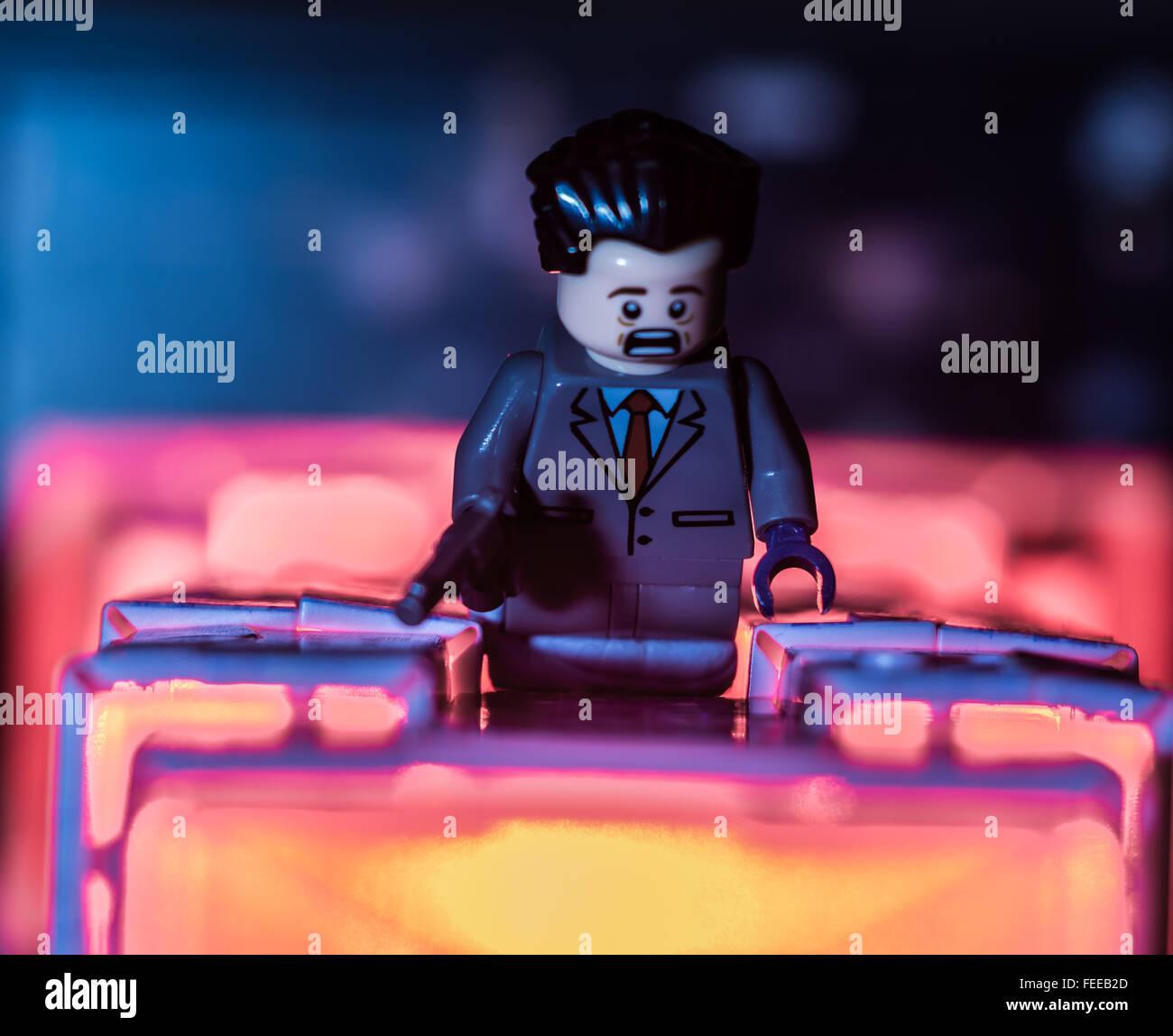Lego Hans gruber Alan rickman die hard falling nakatomi plaza - Stock Image