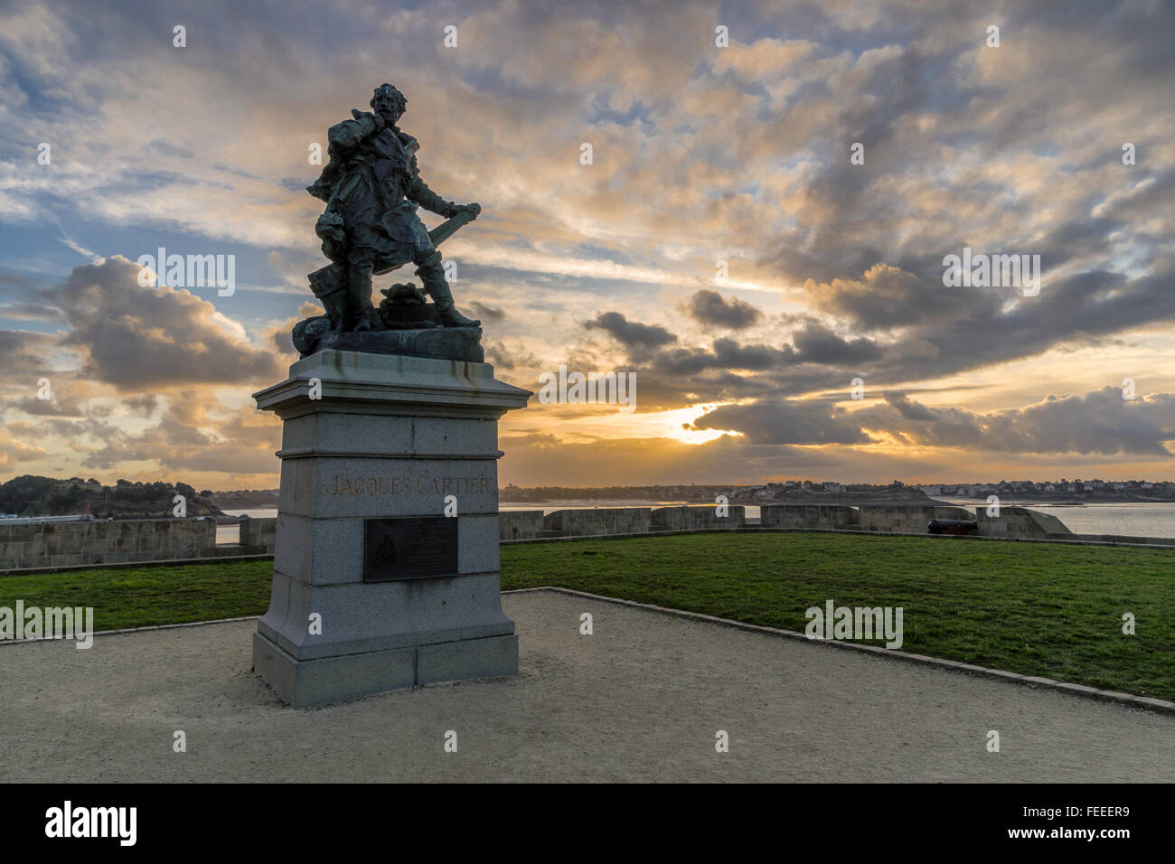 Jacques Cartier statue in Saint Malo, Brittany, France - Stock Image
