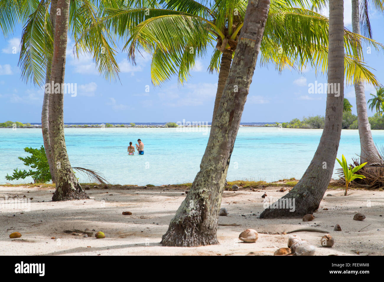 People at Green Lagoon, Fakarava, Tuamotu Islands, French Polynesia - Stock Image