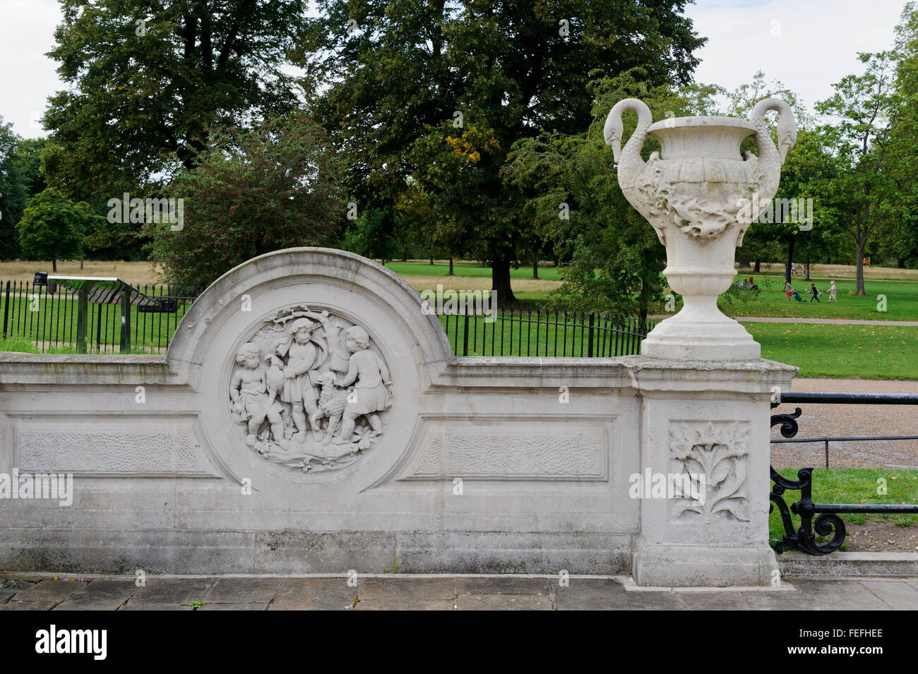 Stone carvings in the the Italian Gardens in Hyde Park, London, United Kingdom. - Stock Image