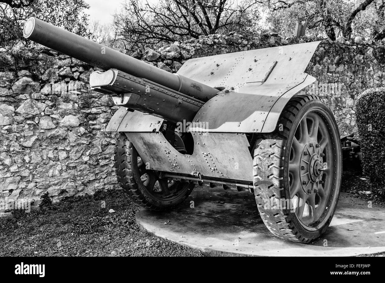 Cannon on wheels used by Italian soldiers during the World War I. - Stock Image