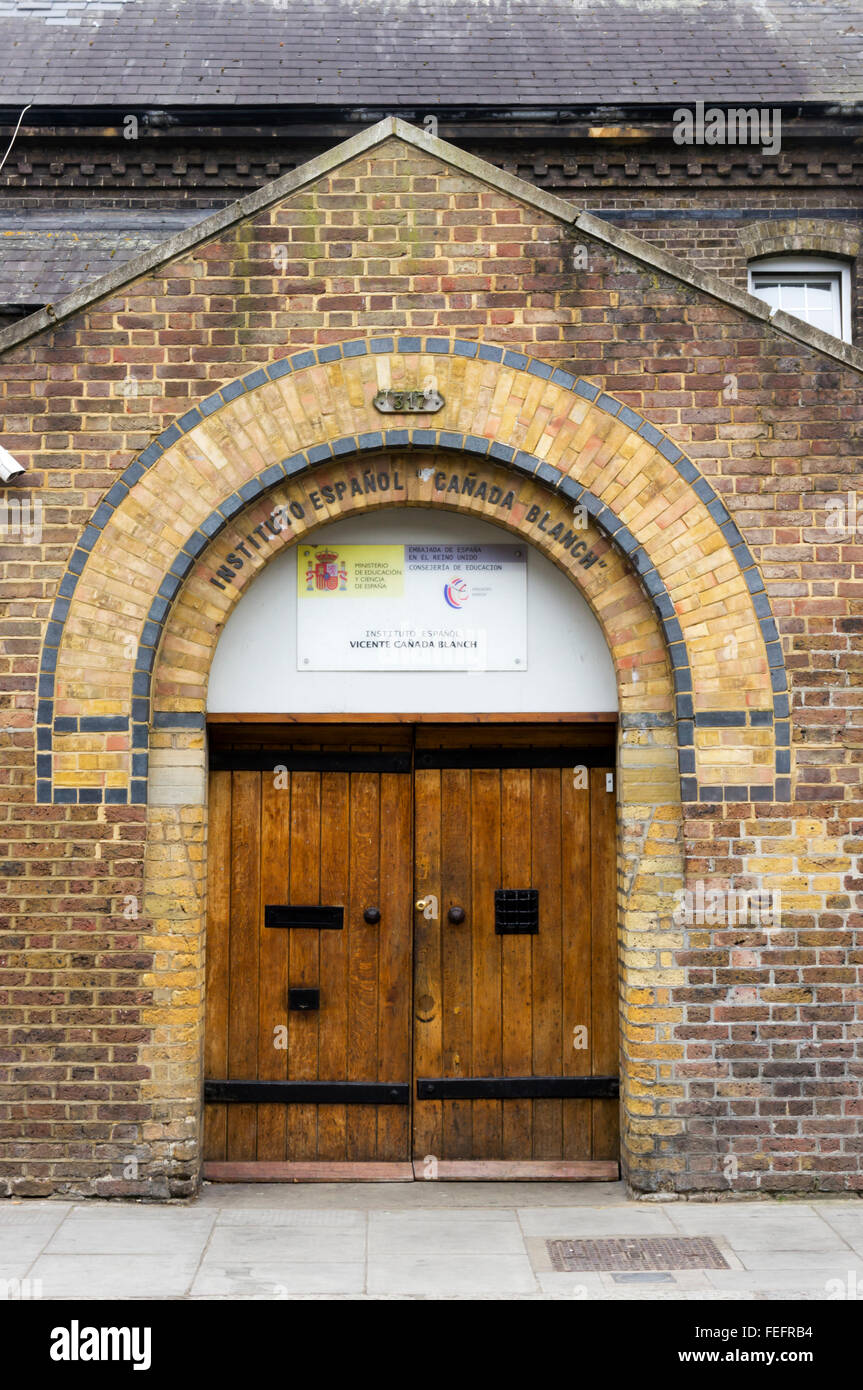 Instituto Espanol Vicente Canada Blanch in Portobello Road, London. - Stock Image