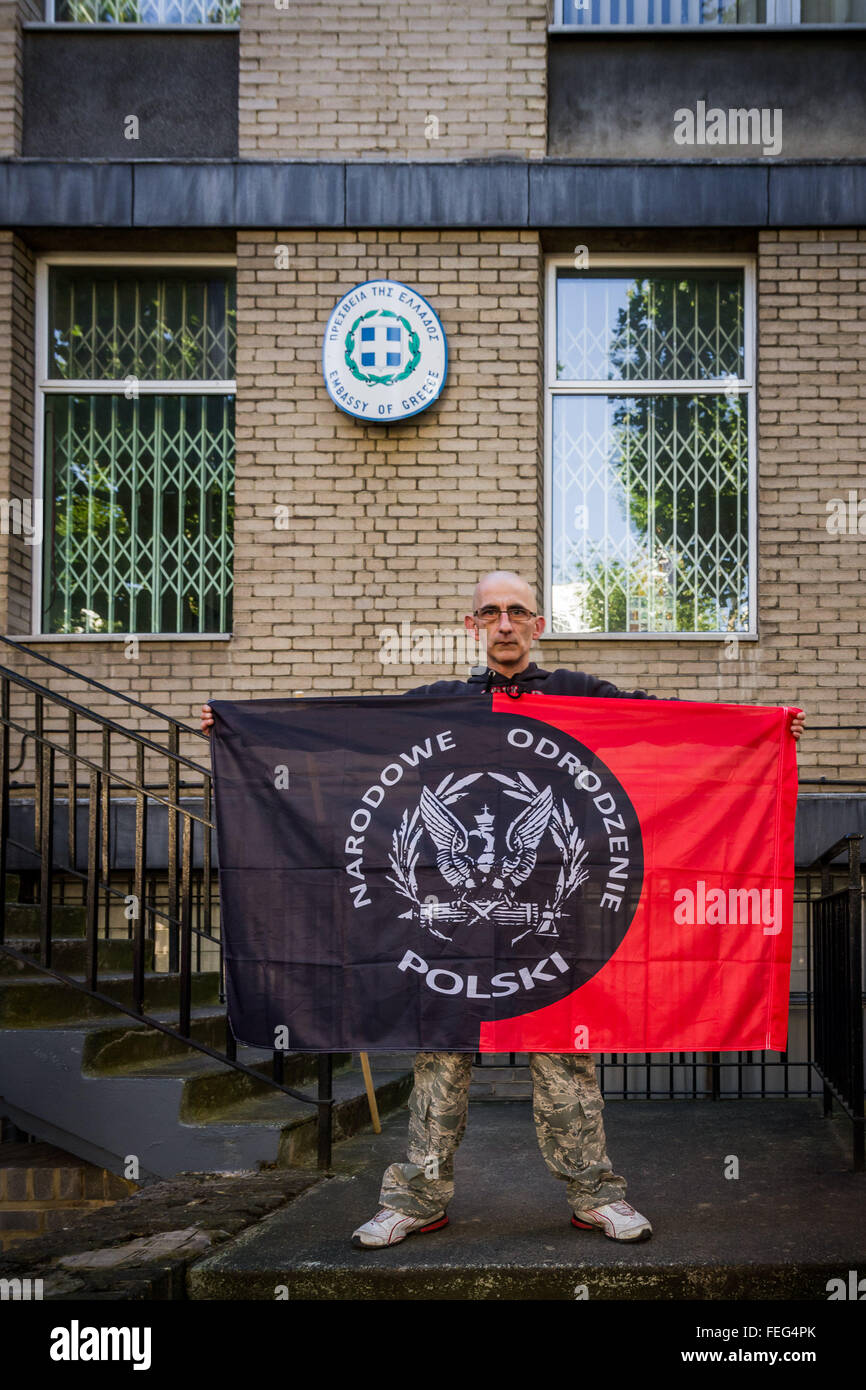 London, UK. 6th October, 2013. Members of Poland's nationalist far-right 'National Rebirth of Poland' protest outside - Stock Image