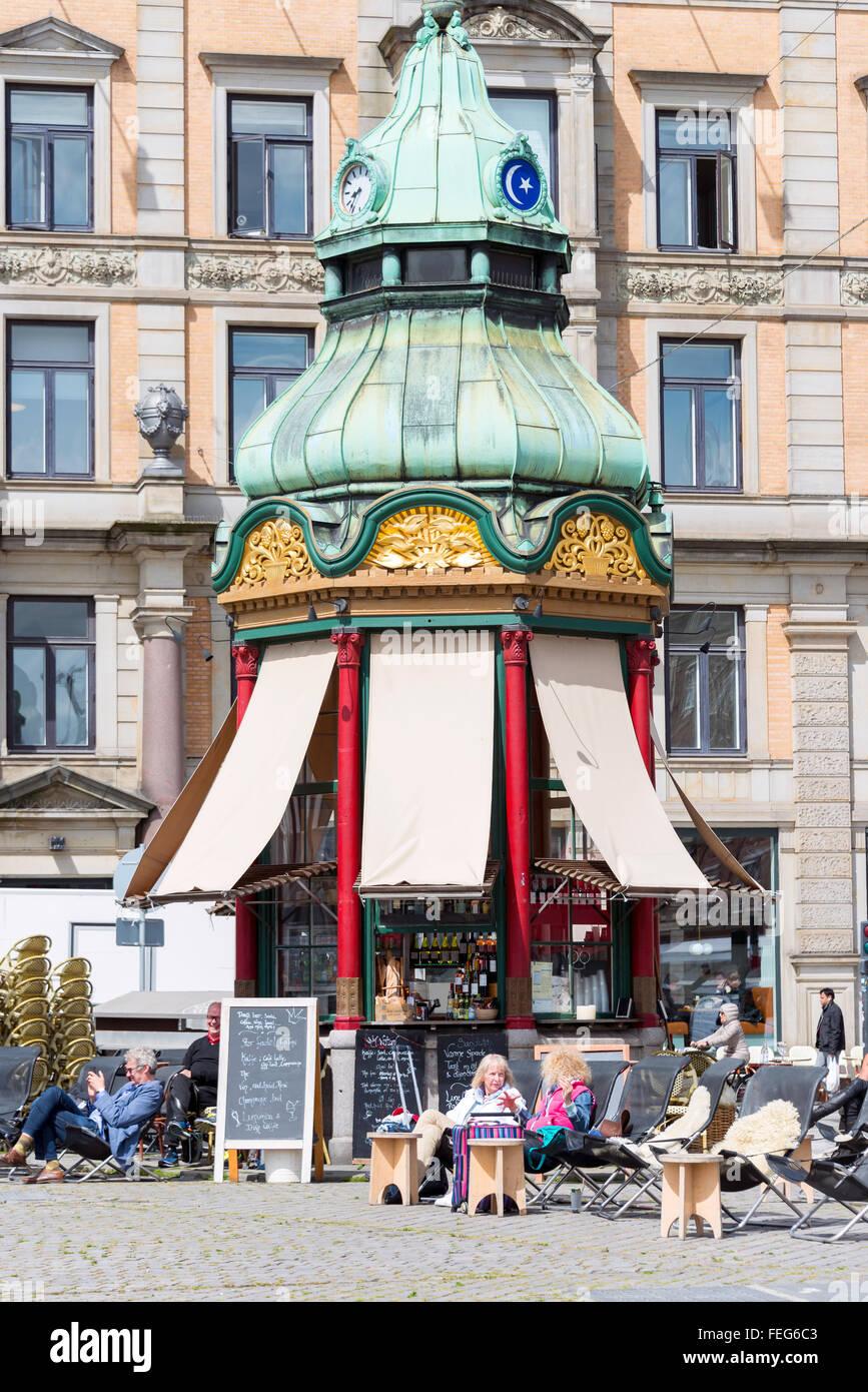 Nytorv Kiosk Cafe, Kongens Nytorv, Copenhagen, Hovedstaden Region, Kingdom of Denmark - Stock Image