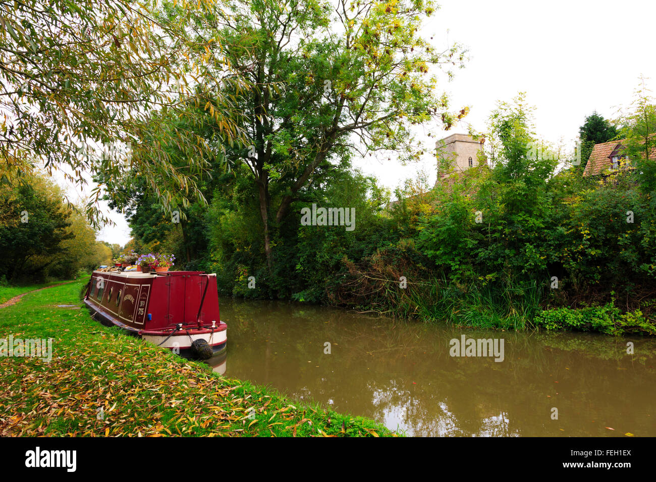 Narrowboat on the Oxford canal at Heyford - Stock Image