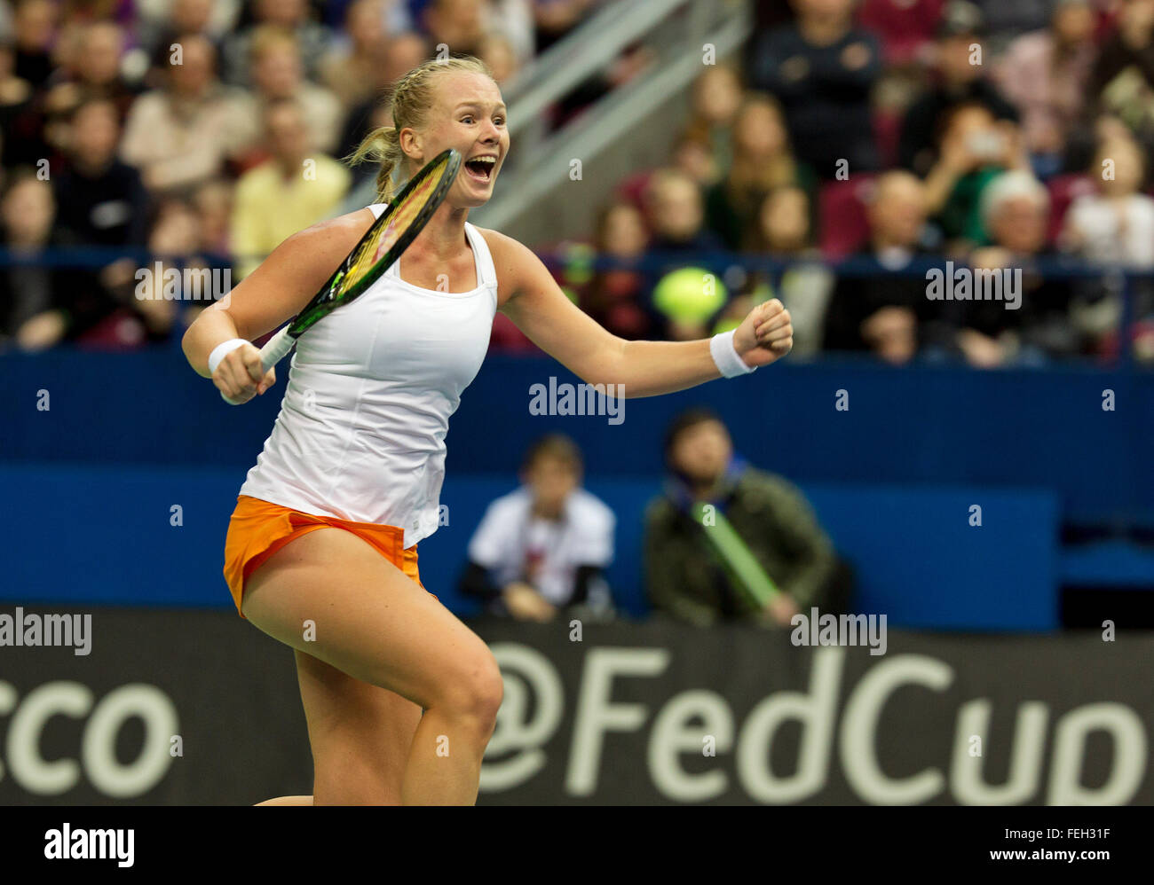 Moskou, Russia. 7th February, 2016.  Fed Cup Russia-Netherlands, Kiki Bertens (NED) scrums it out , she just put - Stock Image