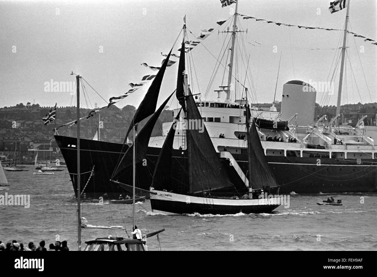 AJAX NEWS PHOTOS. 4TH AUGUST, 1974. COWES, ENGLAND. - ROYAL YACHT REVIEWS TALL SHIPS - THE TRAINING SHIP JACOMINA - Stock Image
