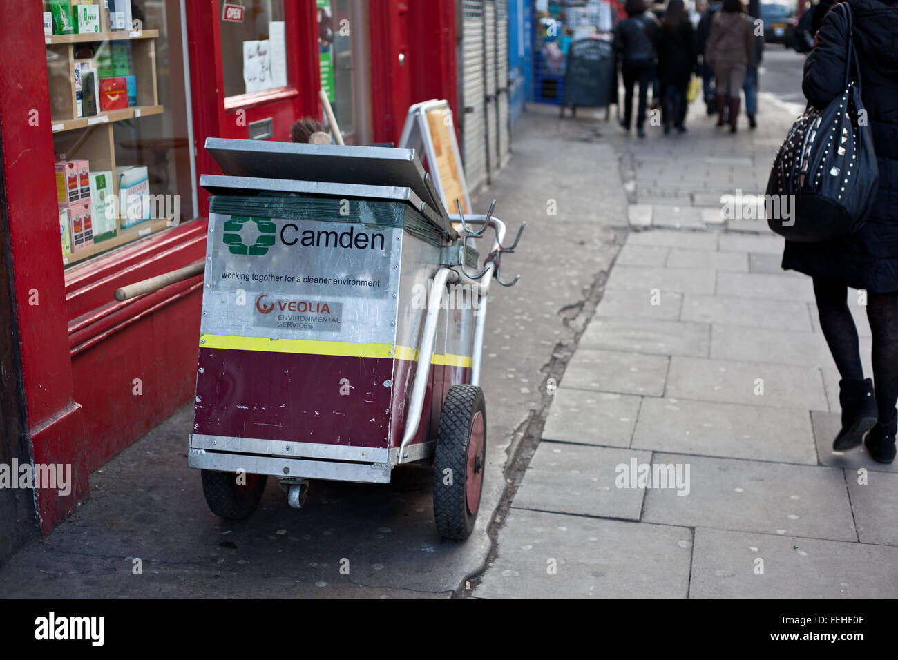 Groovy Street Refuse Stock Photos Street Refuse Stock Images Alamy Interior Design Ideas Lukepblogthenellocom