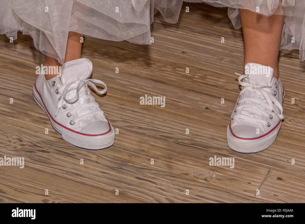 33dd0611a6b wedding shoes no heels comfortable dancing Stock Photo: 95060286 - Alamy