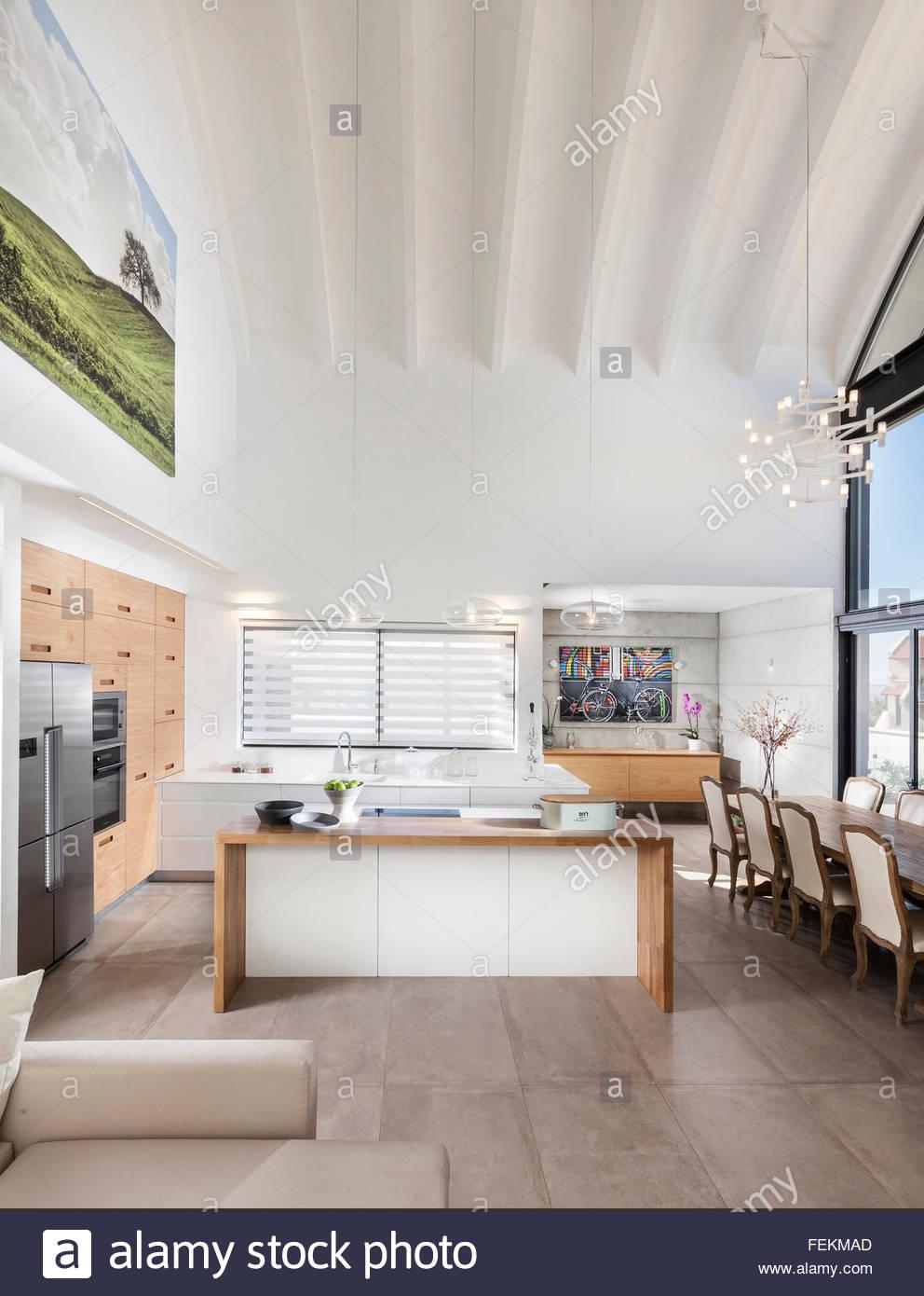 Modern villa in Gan Ner, Israel. Interior design. An open plan room ...