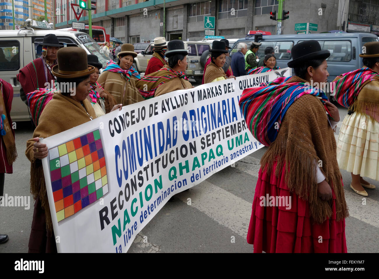 Indigenous women claiming for their right for the land property La Paz. Bolivia - Stock Image