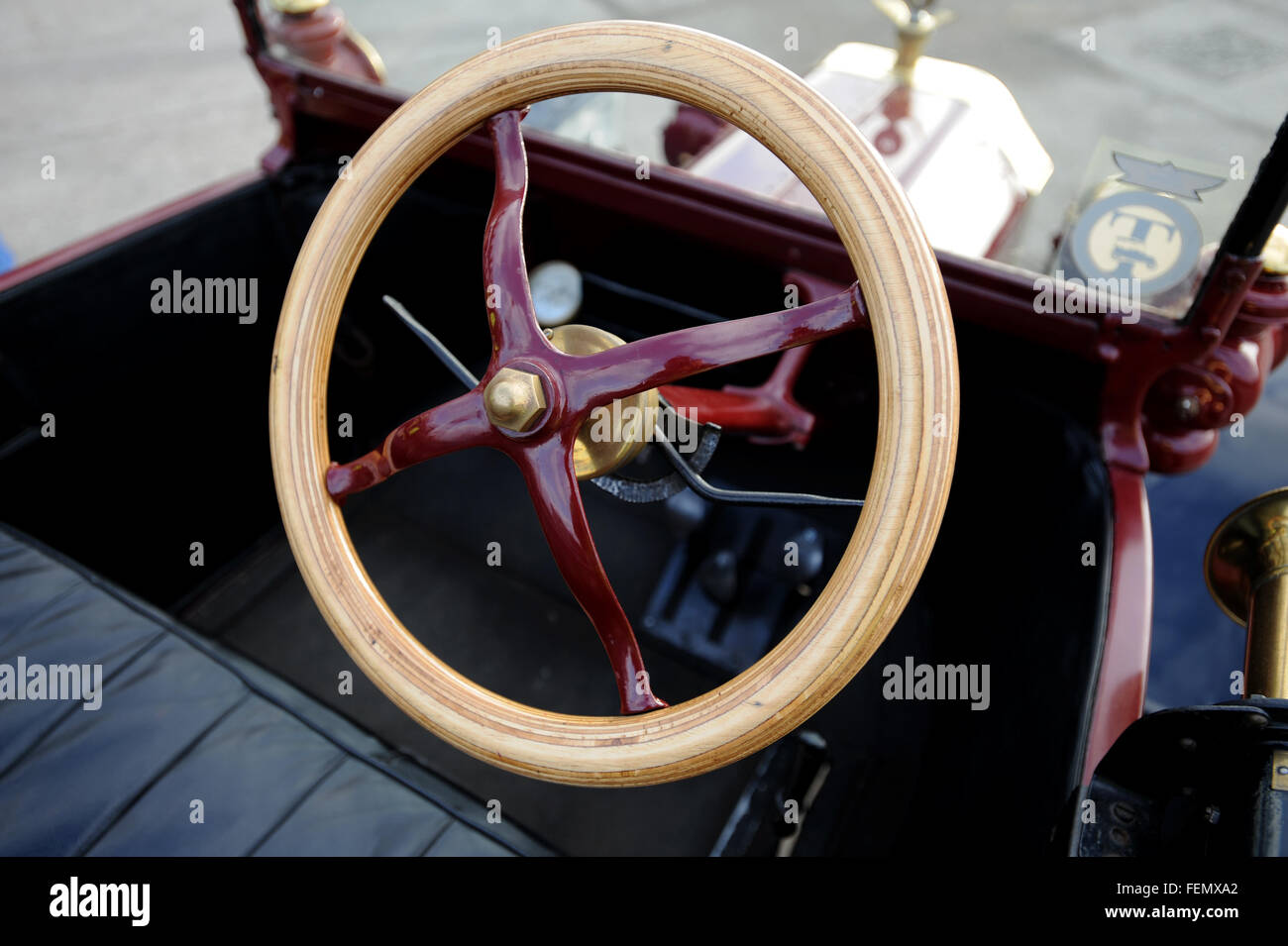 Model T Ford Steering Parts : Ford model t veteran car steering wheel and unusual pedal