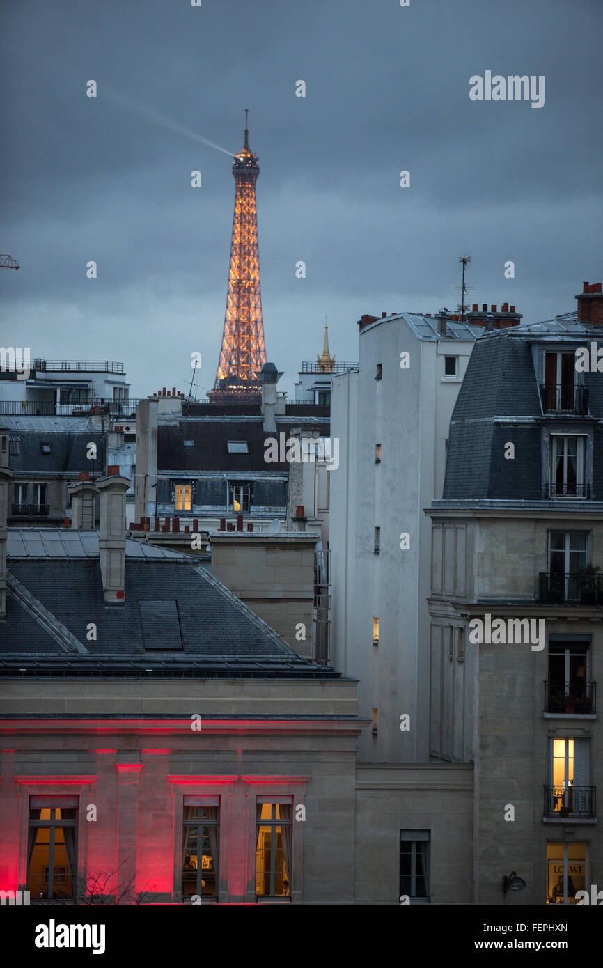A View Of The Eiffel Tower From The Neighborhood Of Stock Photo Alamy