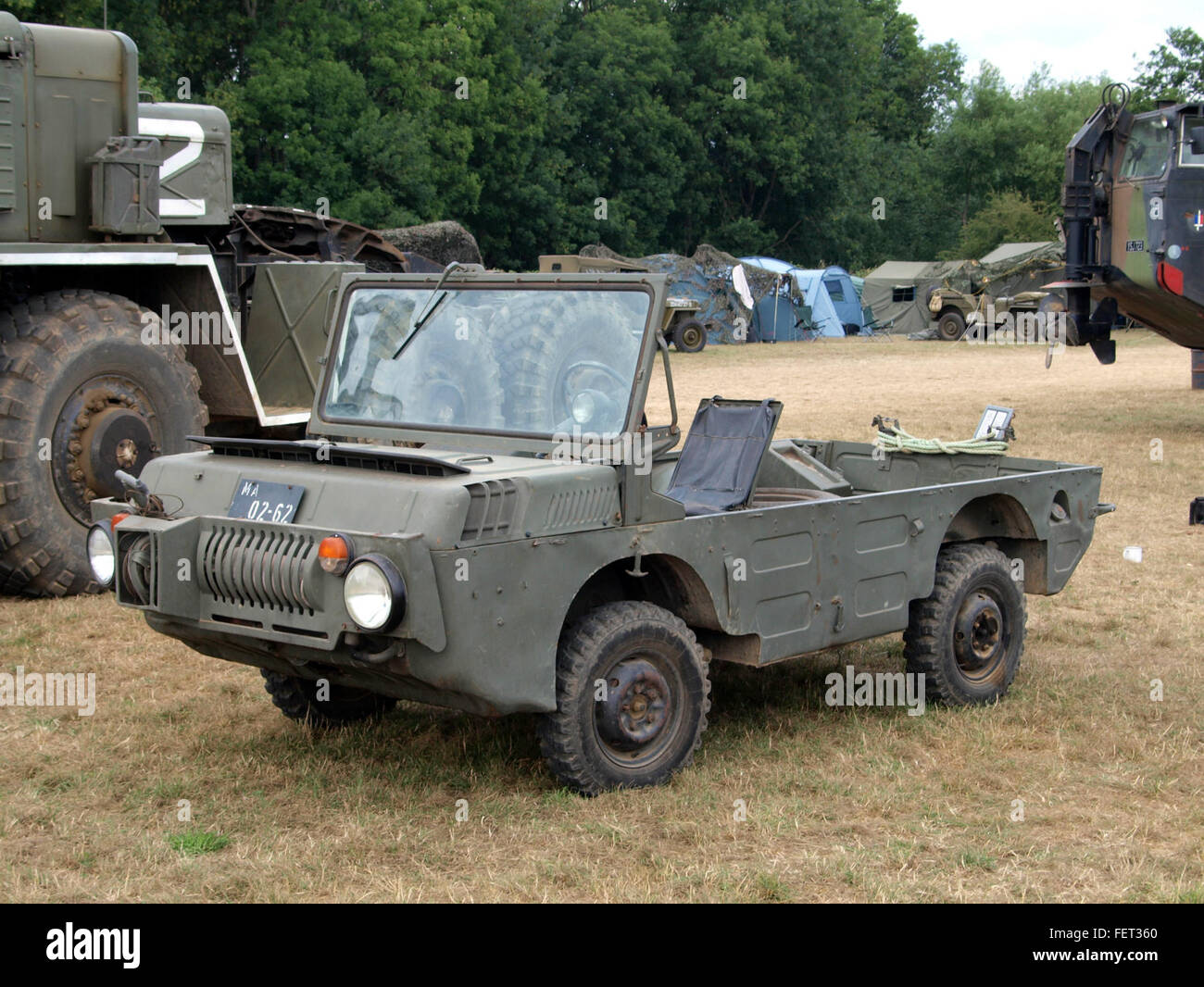 LUAZ 967 M amphibious military vehicle pic2