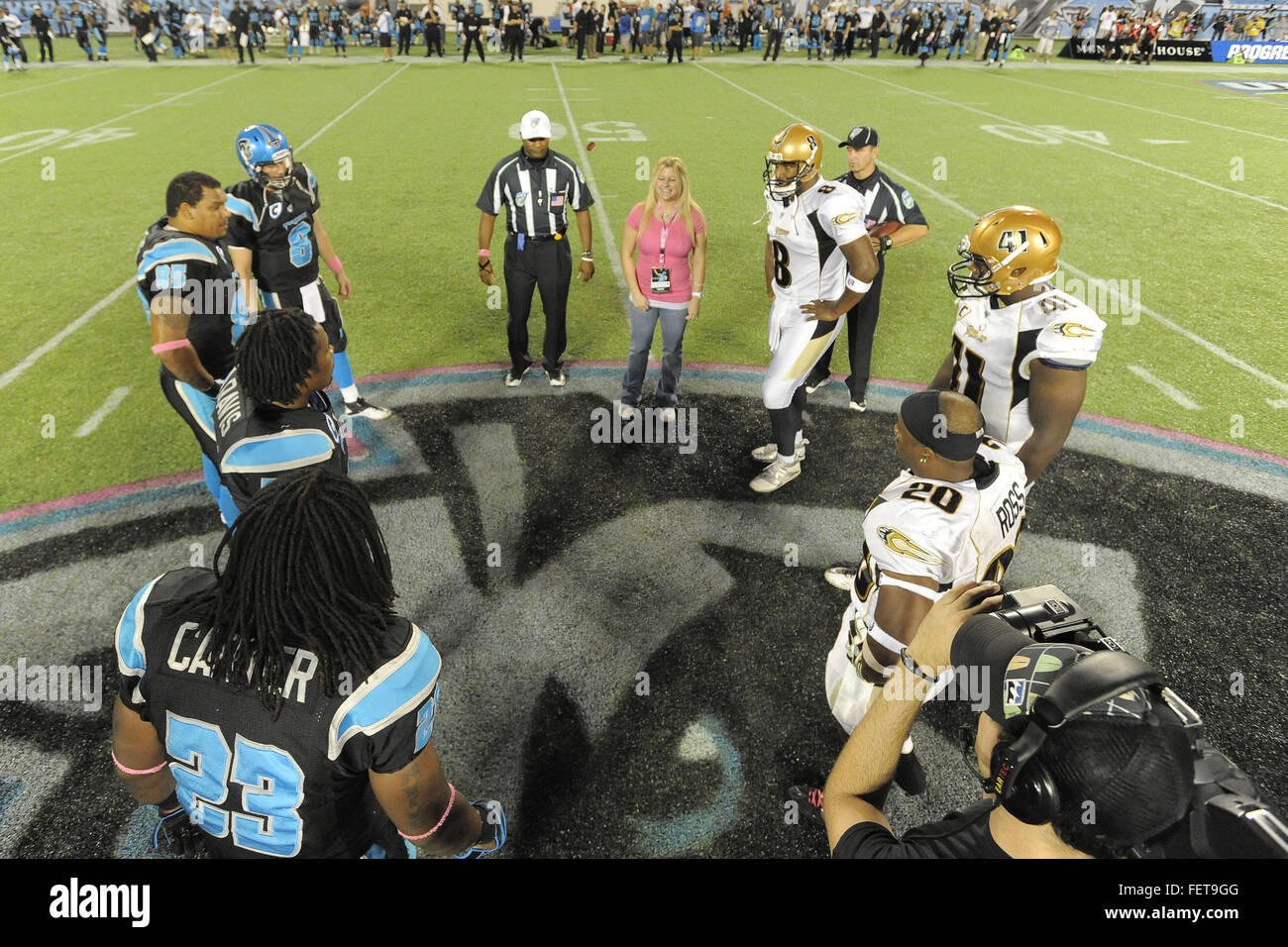 Orlando, Florida, USA. 21st Oct, 2010. Oct 21, 2010; Orlando, Fla.: Coin flip prior to the Florida Tuskers game - Stock Image
