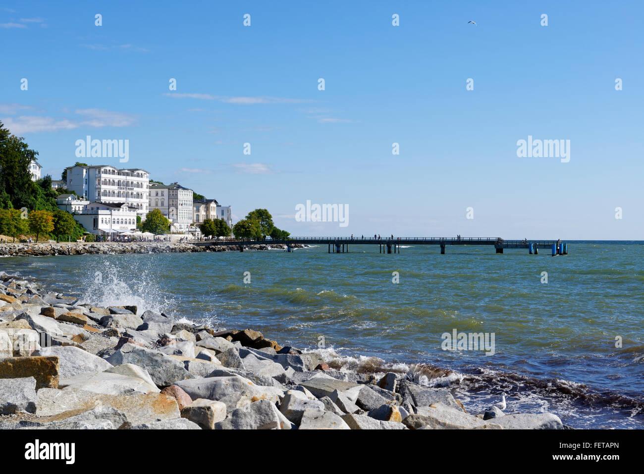 Promenade and Sassnitz Pier, Hotel Fürstenhof, resort architecture, Sassnitz, Rügen, Mecklenburg-Western - Stock Image
