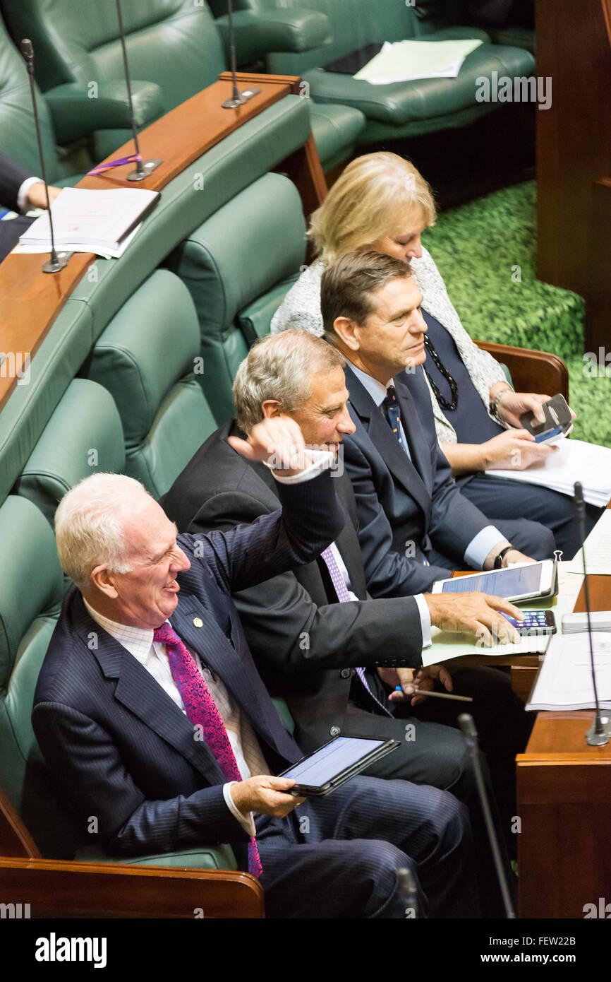 Melbourne, Australia. 9th February, 2016. Senior opposition Ministers heckle the governmnet as Question Time resumes - Stock Image