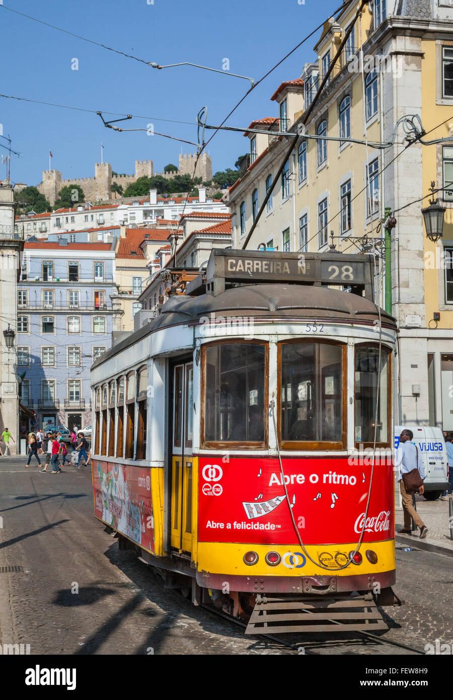 Portugal, Lisbon, Rossio, electric tram at Praca de Figueira - Stock Image