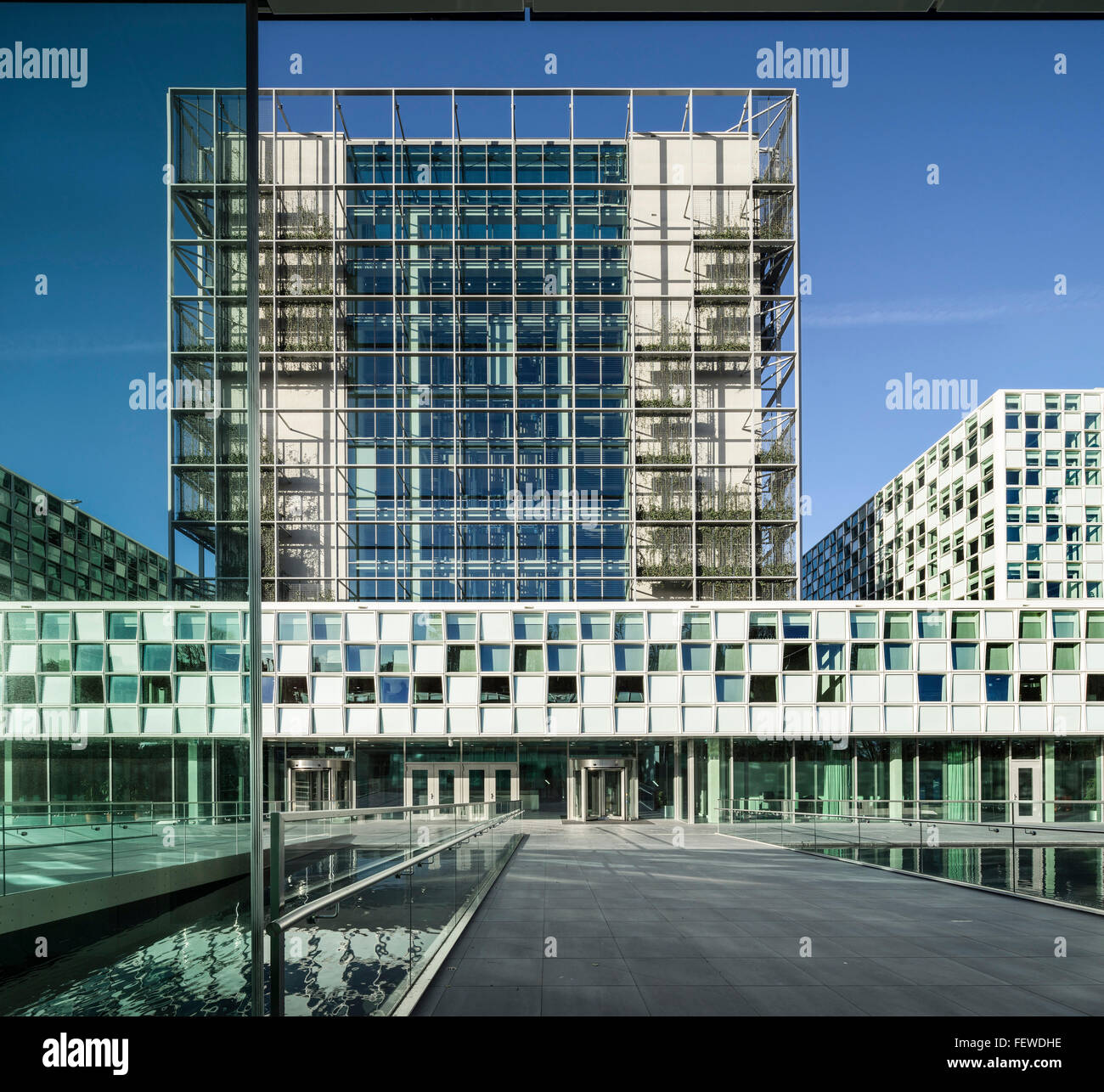 Front looking across moat. International Criminal Court (ICC) Den Stock  Photo - Alamy