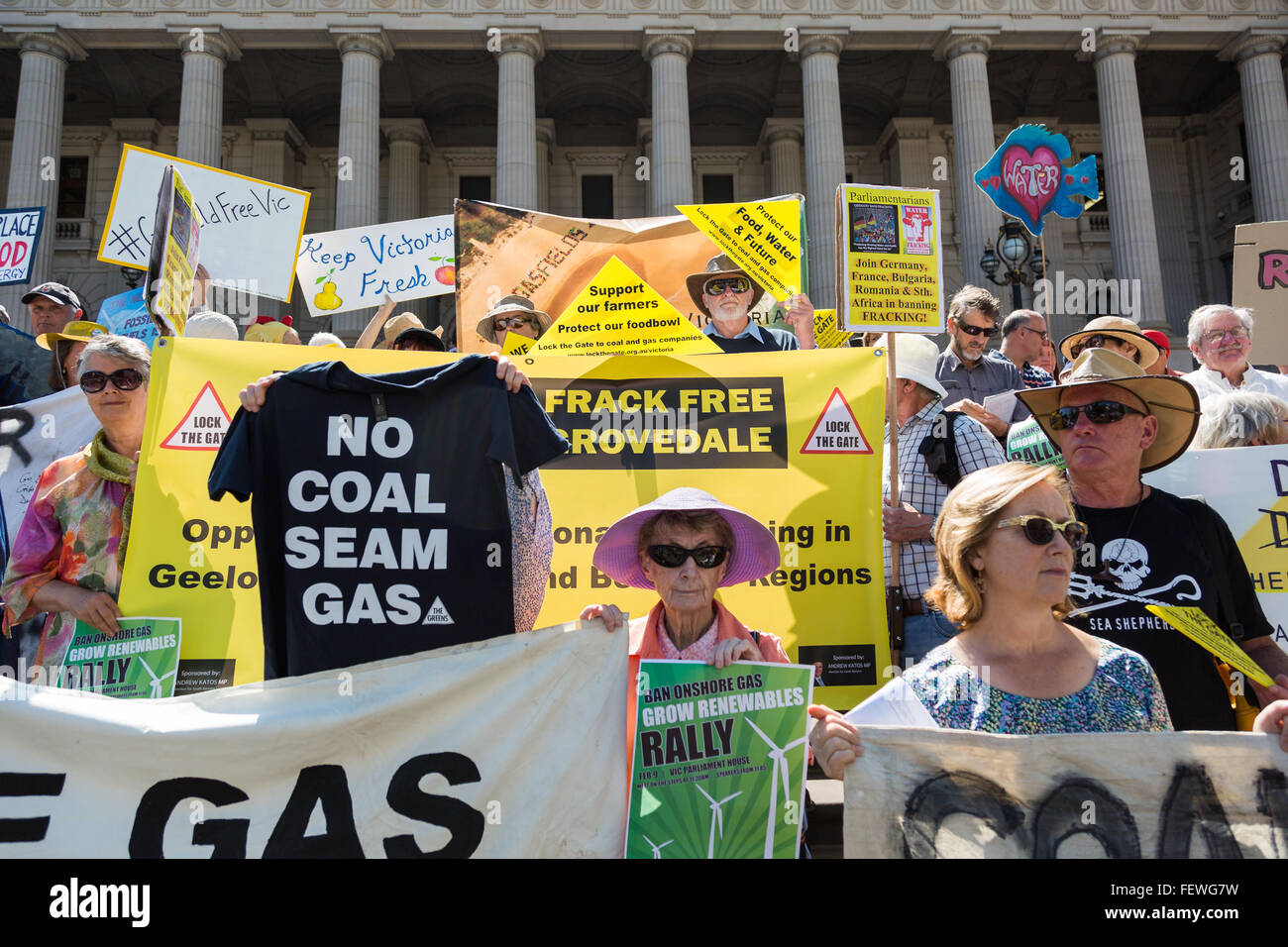 Melbourne, Australia. 9th February, 2016. Anti CSG protesters gather outside Parliament house in Melbourne to rally Stock Photo