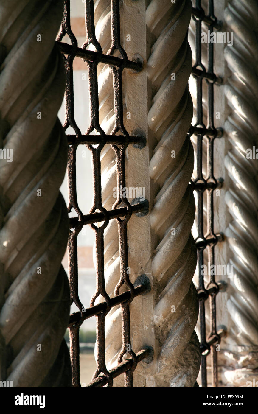Twisting and spiraling Solomonic columns in the Ca' d'Oro Venice Italy - Stock Image