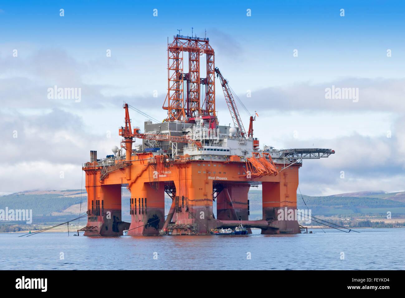 MASSIVE NORTH SEA OIL RIG WEST PHOENIX PANAMA ANCHORED IN THE CROMARTY FIRTH BLACK ISLE SCOTLAND - Stock Image