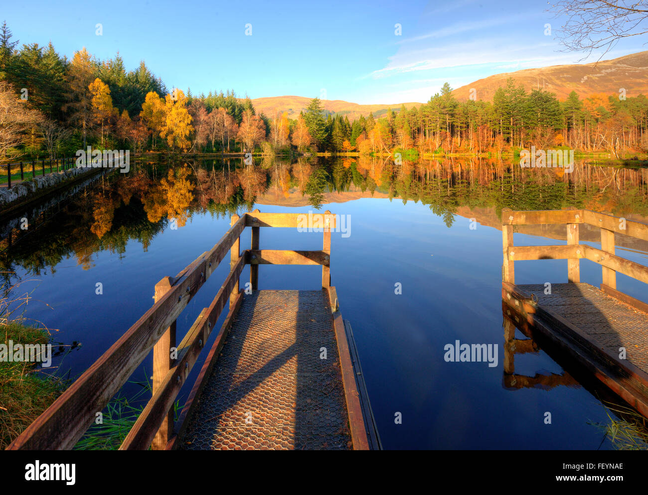Autumn view of the Lochan Trail, Glencoe, West Highlands - Stock Image